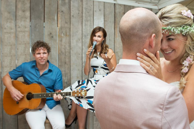 strandpaviljoen ceremonie huwelijk