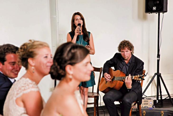 Lace-trouwbeurs-live-akoestische-muziek-ceremonie